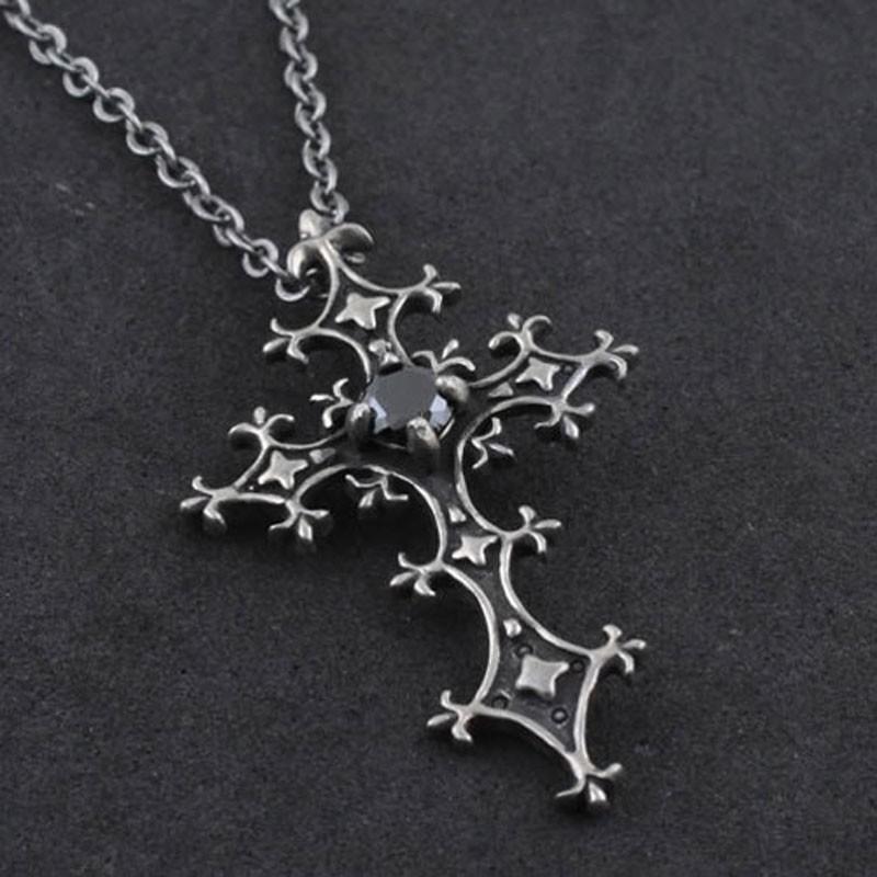Bijoux croix gothique