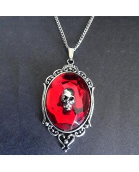 Collier camé rouge avec crâne