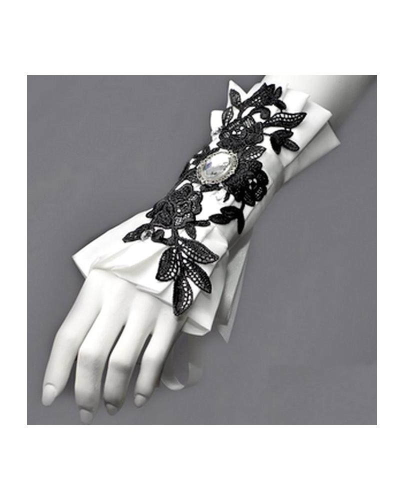 Bracelet gothique noir et blanc