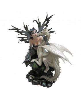 Fée Jasmeena et son dragon blanc