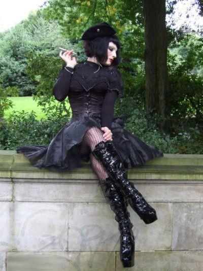 Bottes compensées gothiques femmes